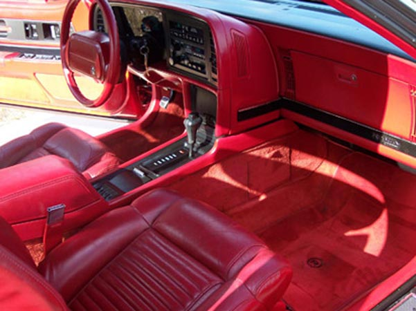 1991-20 Red Coupe interior